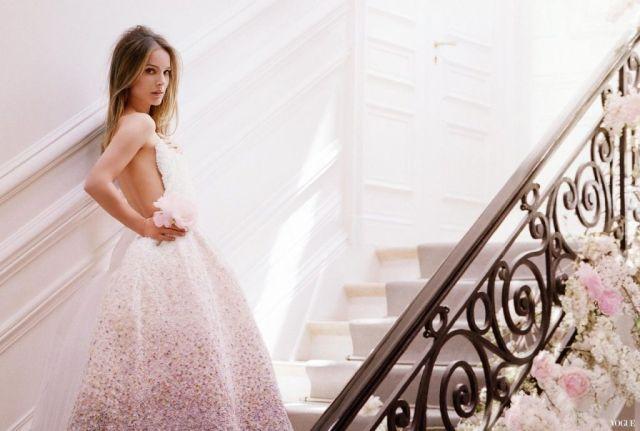 pub Nathalie Portman escalier